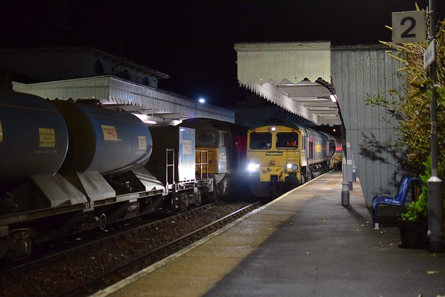 57003 top n tail with 57002 wait for the road in Woodbridge with the nightly RHTT as 66553 top n tail with 66543 passes with the 23.55 Halesworth - Whitemoor Engineers move. 28 10 2020