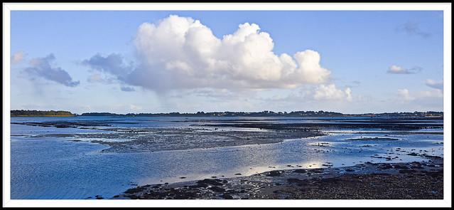 Marée basse dans la baie