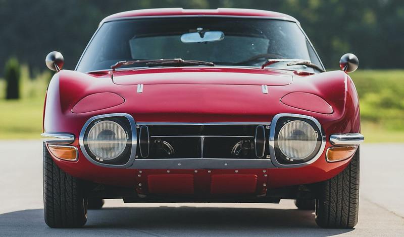 1967-Toyota-2000GT-6