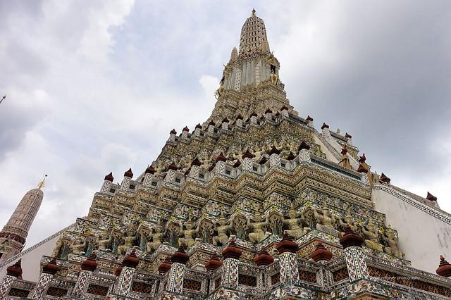 Wat Arun in a cloudy day.