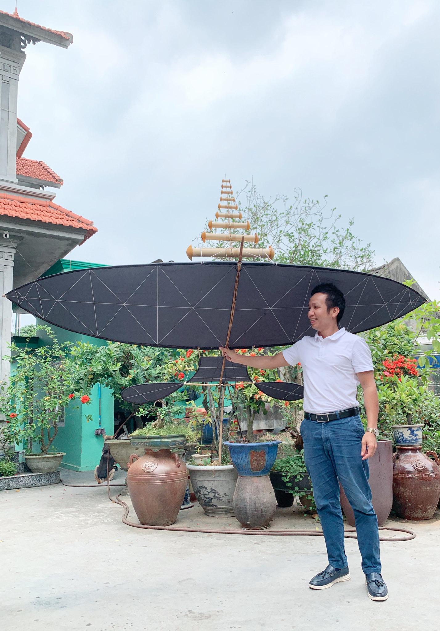Hoàng Phú và chiếc diều 2m7 đeo bộ sáo 9