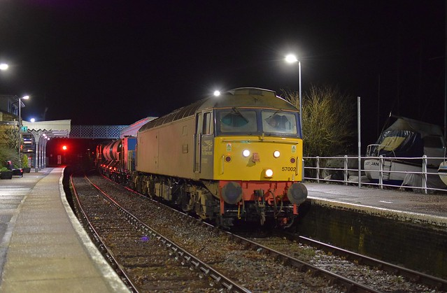 57002 top n tail with 57003 make their second pass through Woodbridge with the nightly RHTT on the return run to Stowmarket. 28 10 2020
