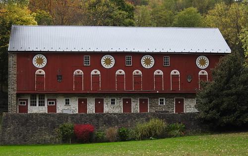 barn hexbarn pennsylvania dutch red nature berks county hex sign travel historic