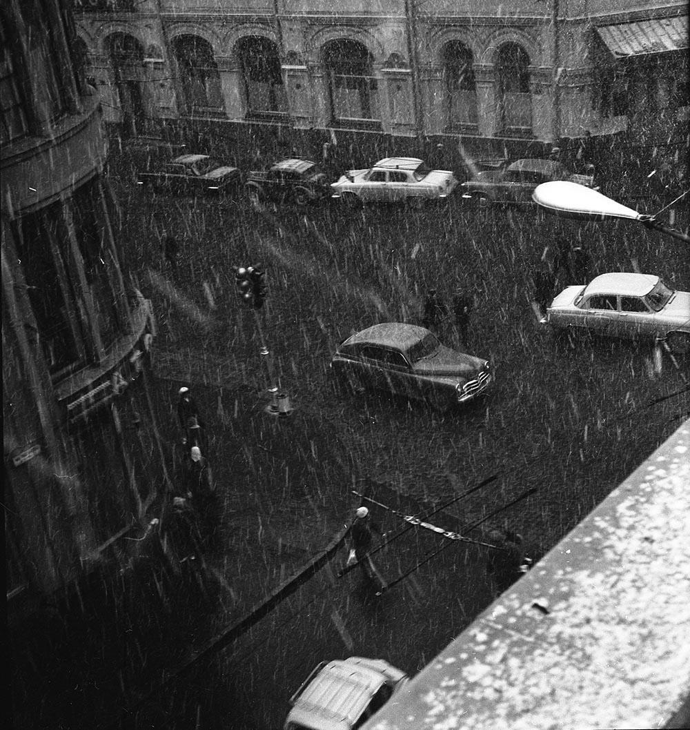 1970-е. Кузнецкий мост. Начало зимы1
