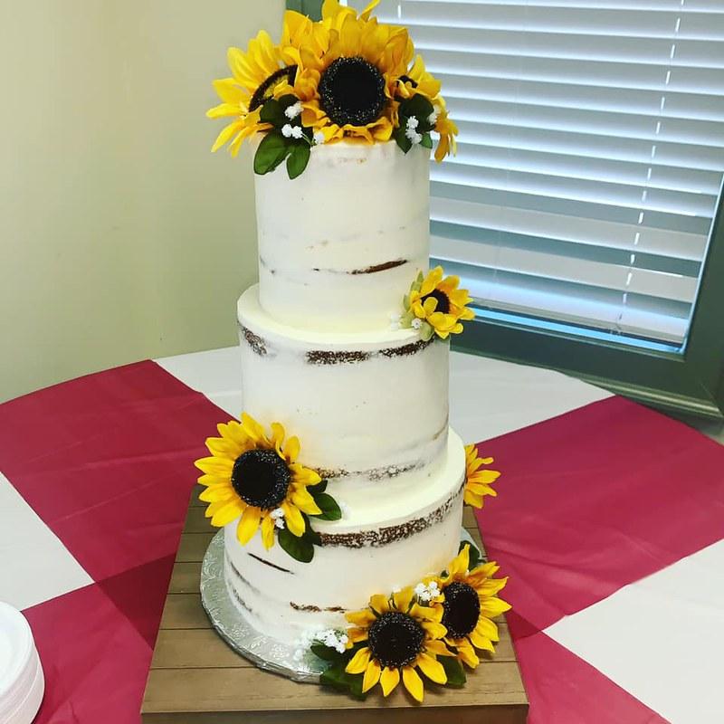 Cake by SavyyCakes
