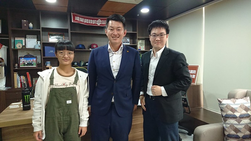 陳柏惟接受師大青年報訪問,闡述對多元語種社會的想像。圖/陳柏維國會辦公室提供