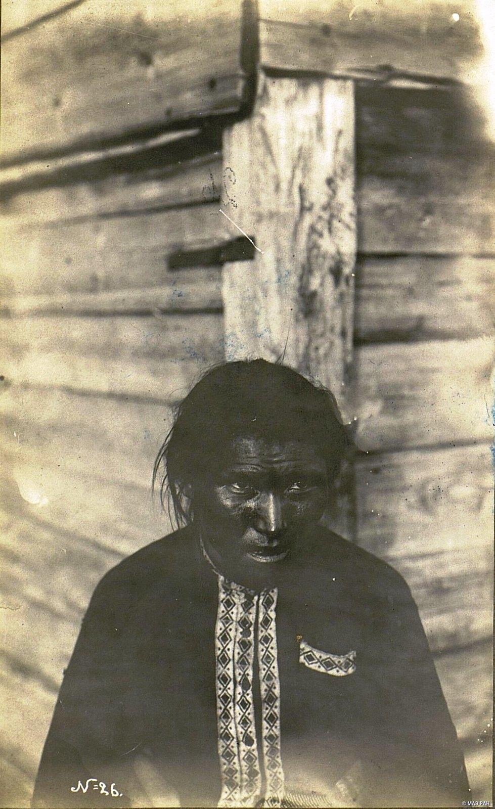 Портрет мужчины (фас)