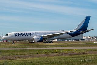 9K-APG KUWAIT AIRWAYS AIRBUS A330-841 msn 1969