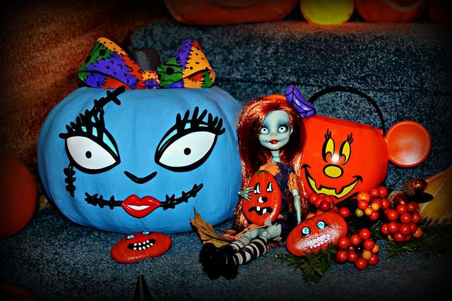 Sally Pumpkin Face