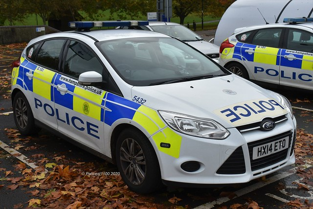 Hampshire Police Ford Focus HX14 ETO 5432