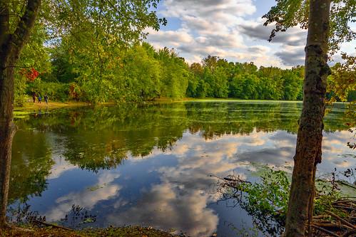 smack53 continentalsoldierspark mahwah newjersey water pond lake reflections autumn autumnseason fall fallseason nikon z50 nikonz50 scenery scenic landscape nikkor 1650mm