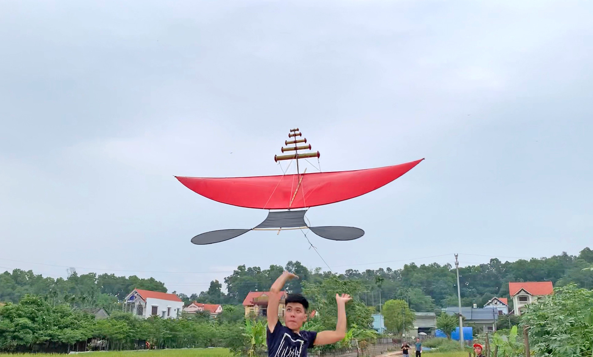 Phạm Hải đâm diều 2m5 cánh phẳng