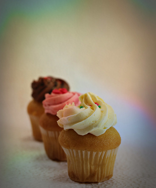 2020 Sydney: Vanilla Cupcakes With Buttercream Frosting