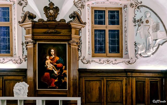 Particolari della Sacrestia della Chiesa di Sant'Agostino in Pietrasanta