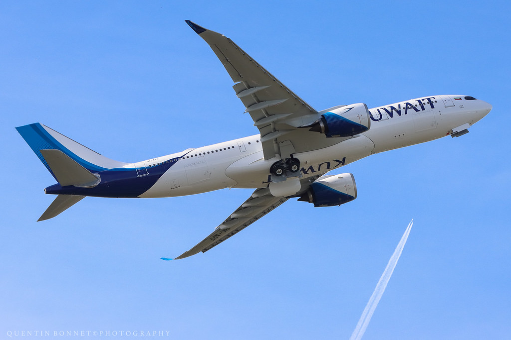 Kuwait Airlines Airbus A330-841N 9K-APF