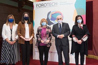 29/10/2020 - Deusto entrega el Premio Ada Byron a la Mujer Tecnóloga a Laura Lechuga (categoría senior) y Susana Ladra (categoría joven)