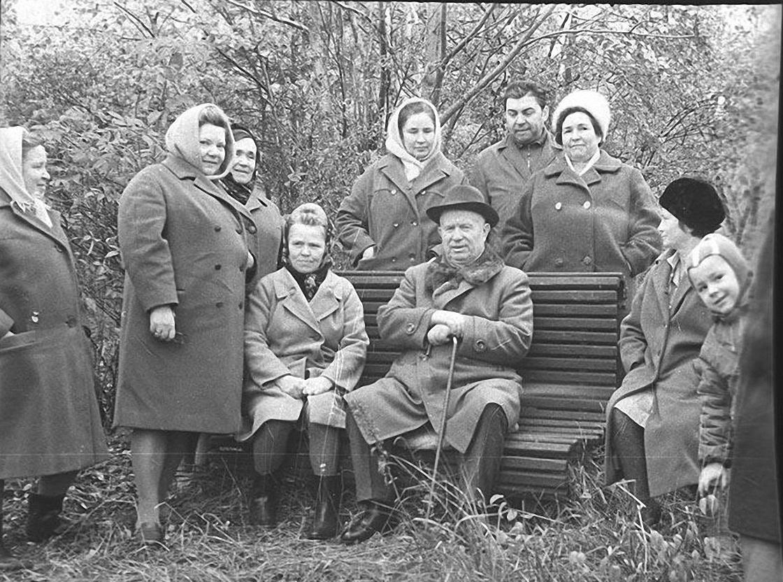 1970-е. Н.С. Хрущев в доме отдыха1