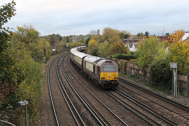 67024 (leading) and 67021, Shortlands