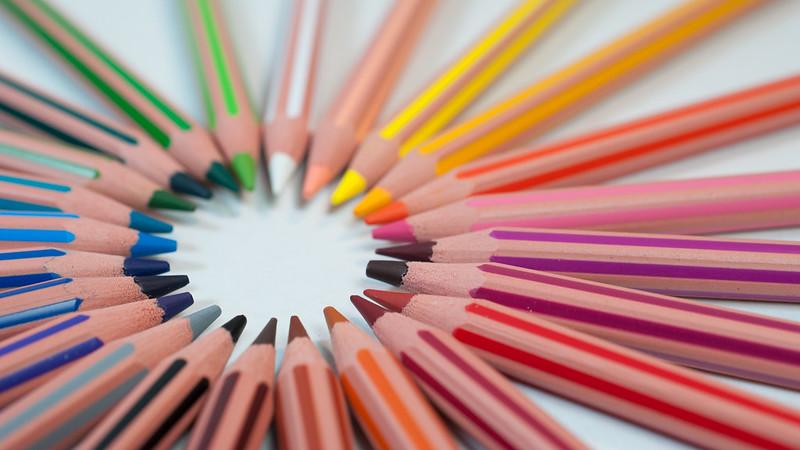 Colourful pencils that make a circle