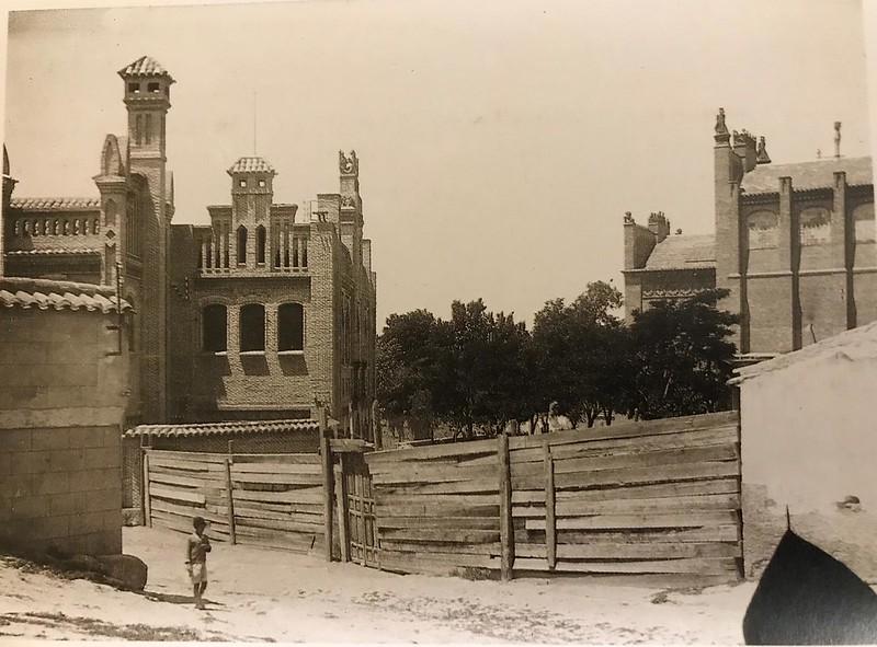 Escuela de Artes en obras a finales del XIX. Foto Rodríguez.