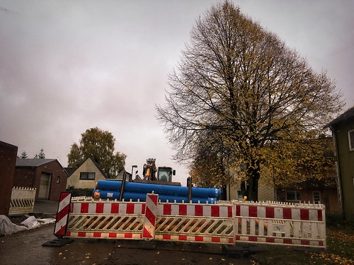 It's raining, the road is closed here and you're on the late shift ... | October 30, 2020 | Schleswig-Holstein - Germany | by torstenbehrens