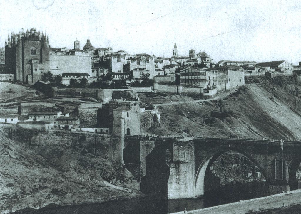 Edificio provisional de la Escuela de Artes en el antiguo Convento de en Sta Ana, sobre 1896