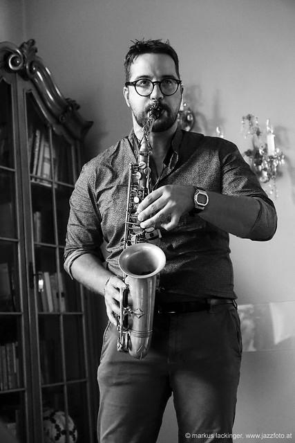 Lorenzo Sighel: sax