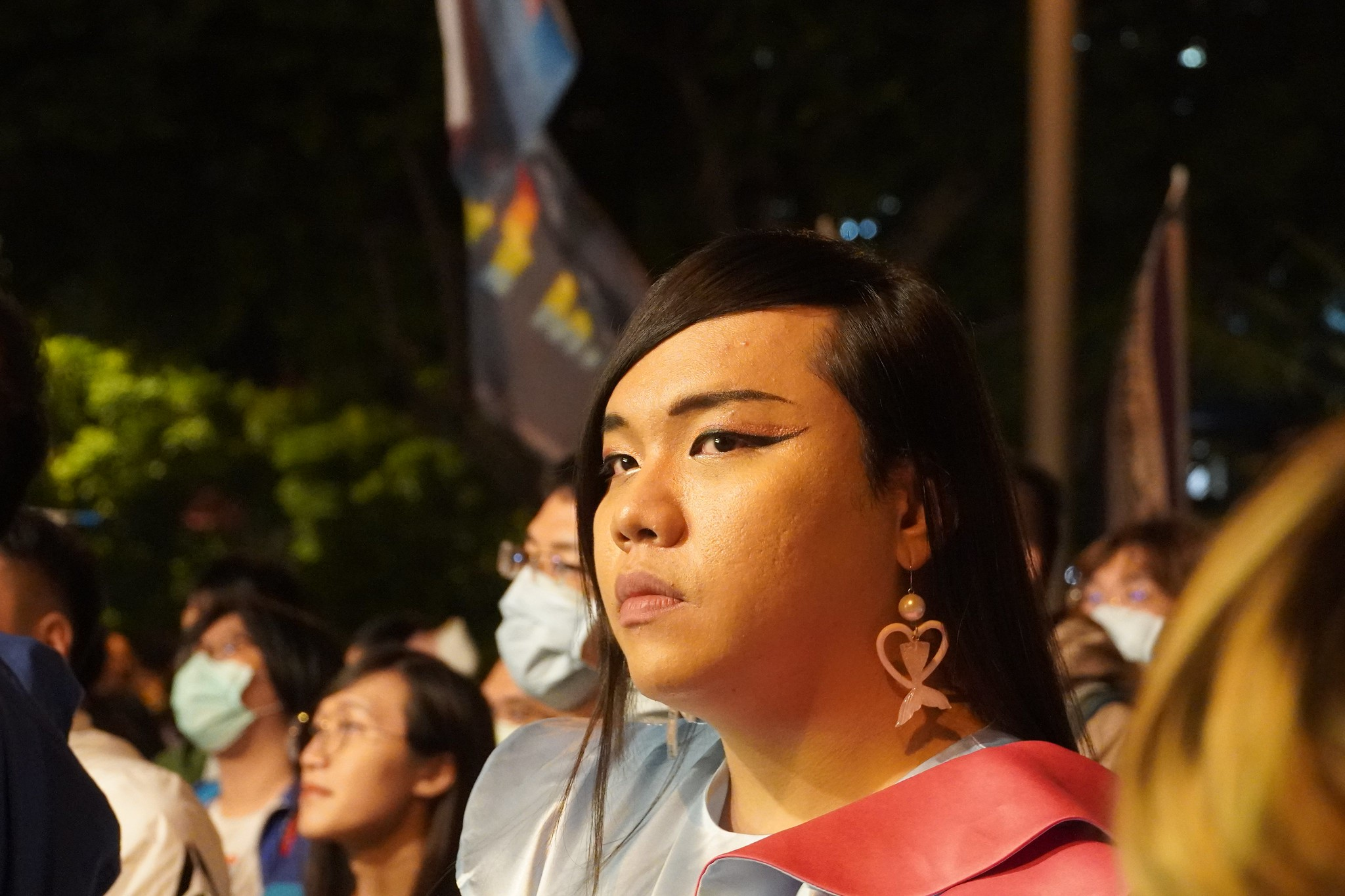 許多跨性別和LGBT同志都扮裝參與遊行。(攝影:張智琦)