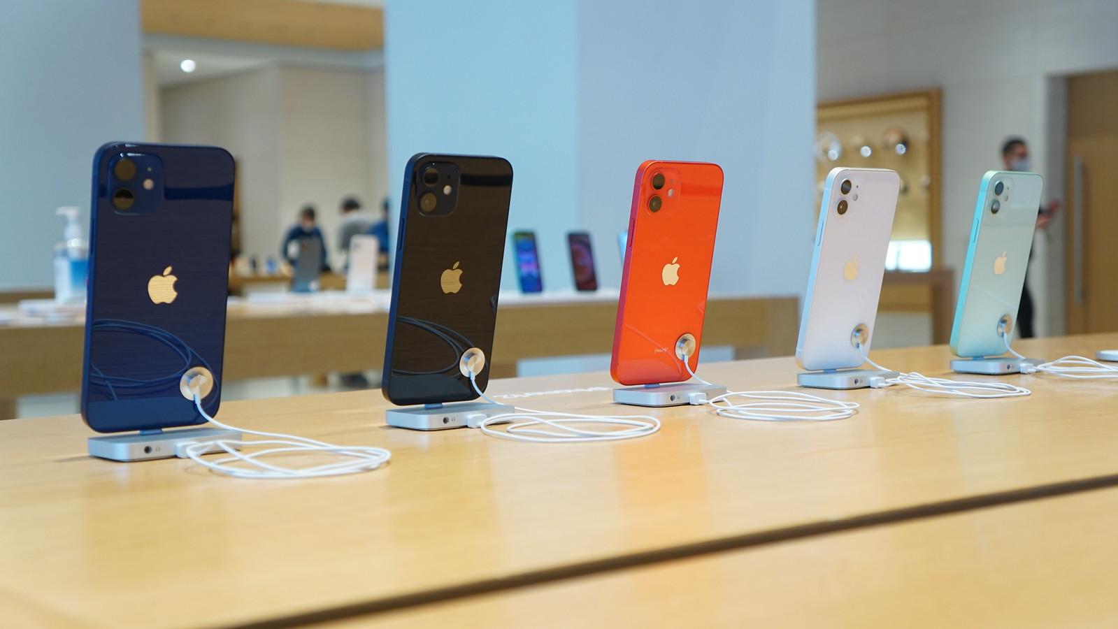 携帯4キャリアの総合満足度トップは楽天モバイル