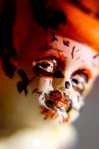 Makro Kunst Fotografie Skulptur Portrait Halloween – Dutch Angle.