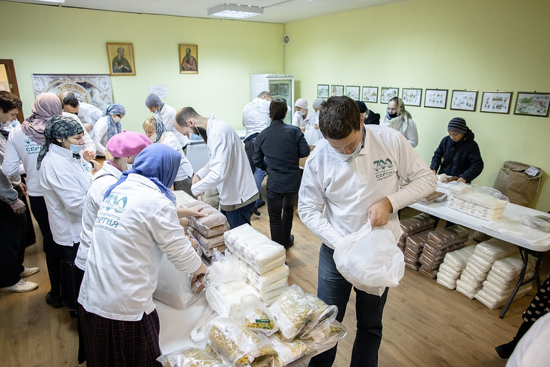 31 октября 2020, Фасовка и развоз продуктов малоимущим семьям / 31 October 2020, Packaging and delivery of food to low-income families