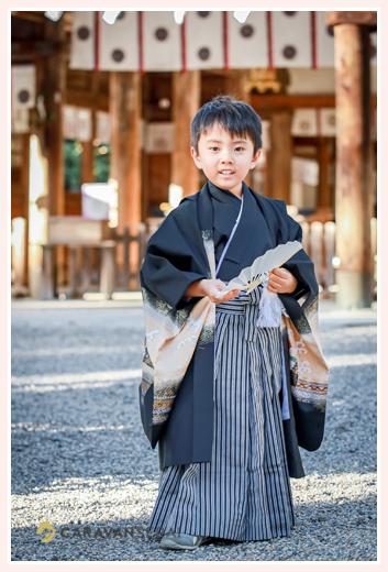 七五三 黒の羽織袴姿の5歳の男の子
