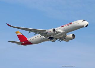 A350-900_Iberia_F-WZGU-001_cn0453