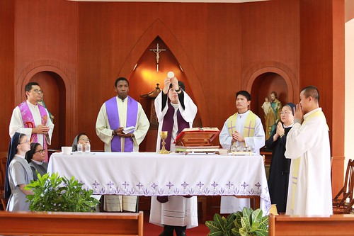 So sestrami a kňazmi studujucich cinstinu, Hsinchu06
