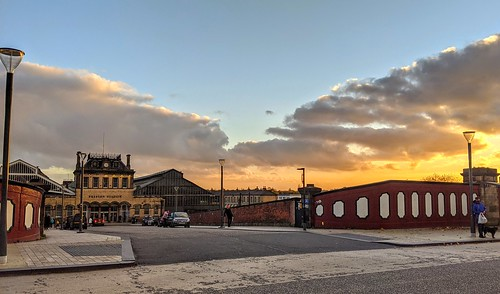 Setting Sun over Preston Railway Station | by Tony Worrall