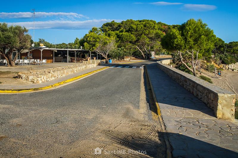 Camino de Ronda frente al Morro de Gos