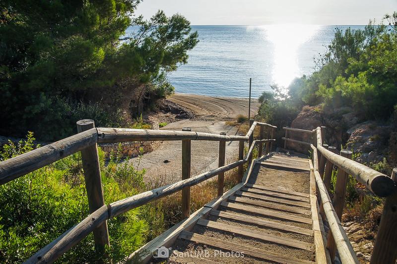 Escalinata de la Cala la Buena
