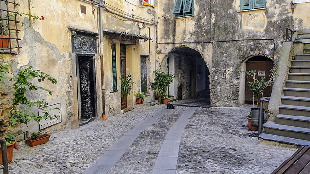 cul-de-sac of old Taggia