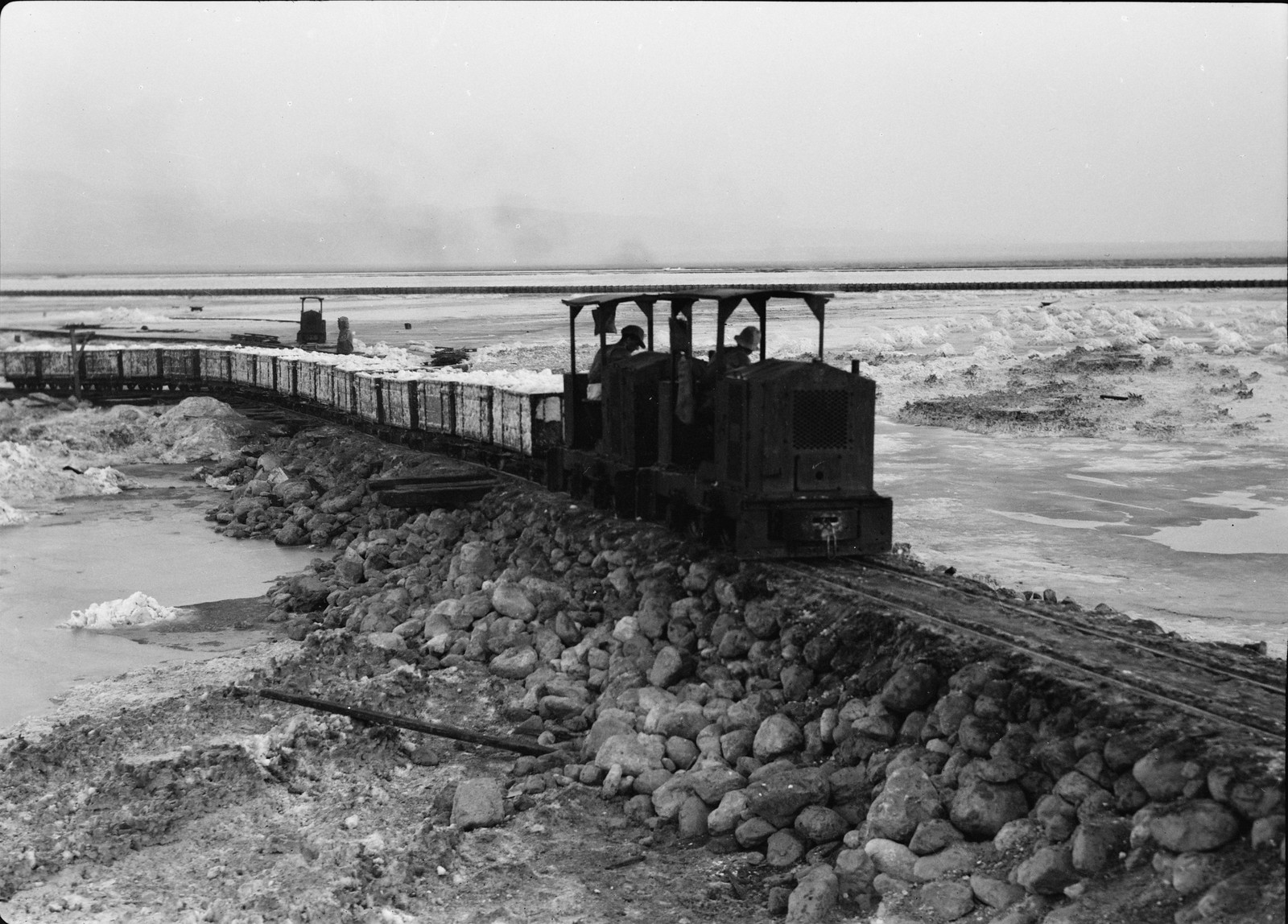 24. Поезд карналлита на первом этапе своего пути к европейскому рынку