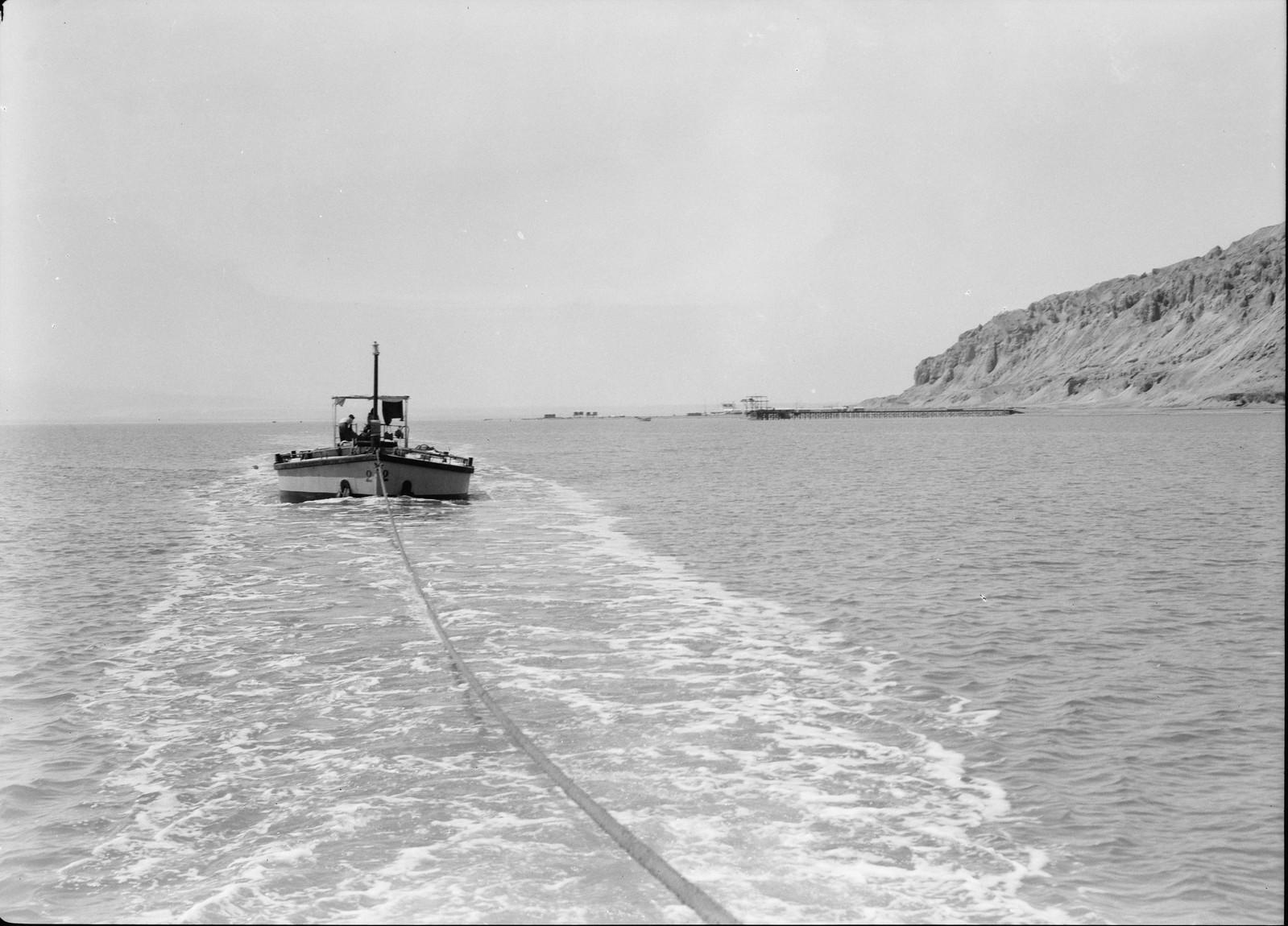 17. Отправление судна из Джебель-Усдума с полной загрузкой калийных удобрений в северную часть моря