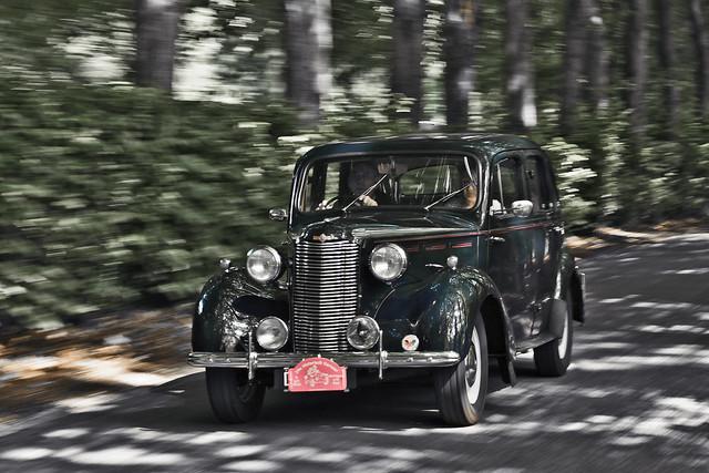Vauxhall 14-6 Saloon 1947 (6111)