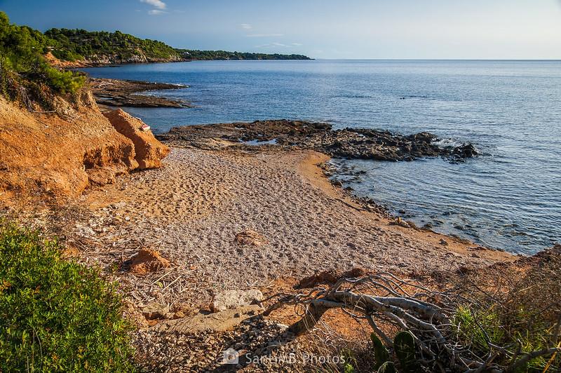 Pequeña playa llegando a El Molar
