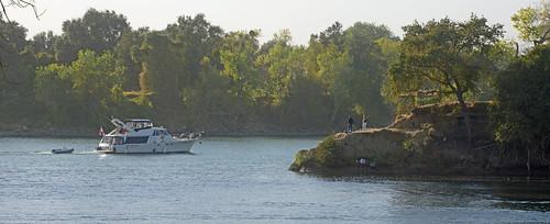 rivers junction sacramentoriver americanriver sacramento nikond800 sunset yatch