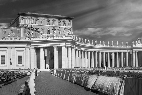 apostolicpalace vaticano vatican vaticancity palazzoapostolico officialresidence pope papalpalace palaceofsixtusv saintpeterssquare monochrome blackandwhite rome italy