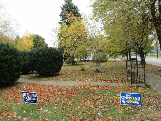 Democrat candidates campaign signs in Kenosha