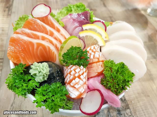 eatomo taman desa sashimi