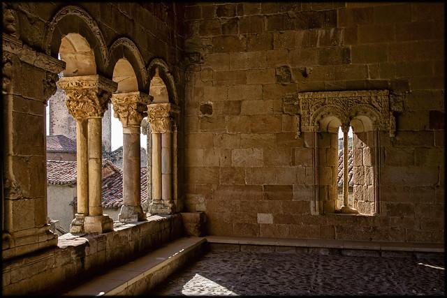 claustro exterior rebolledo