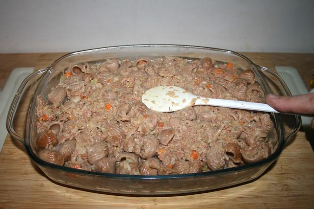 36 - Flatten noodles / Nudeln glatt streichen