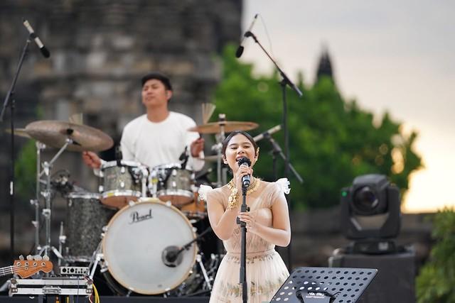Prambanan Jazz 2020 Nadin Amizah 6