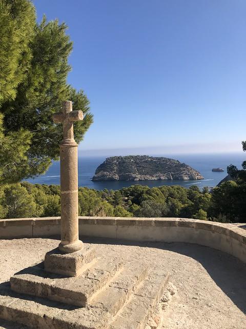 La cruz y la isla del Portitxol Xabia